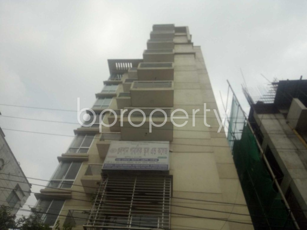Front view - 3 Bed Apartment to Rent in Baridhara, Dhaka - 1881927
