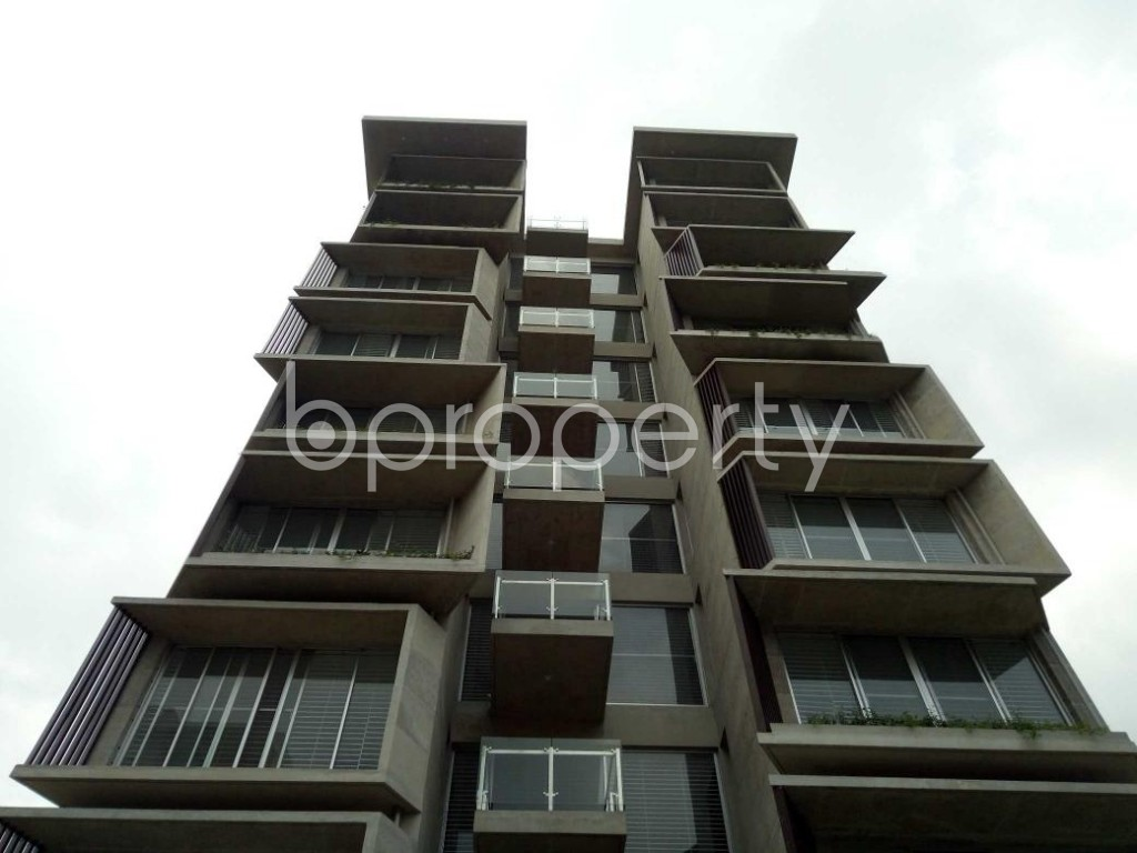 Front view - 3 Bed Apartment for Sale in Bashundhara R-A, Dhaka - 1882337