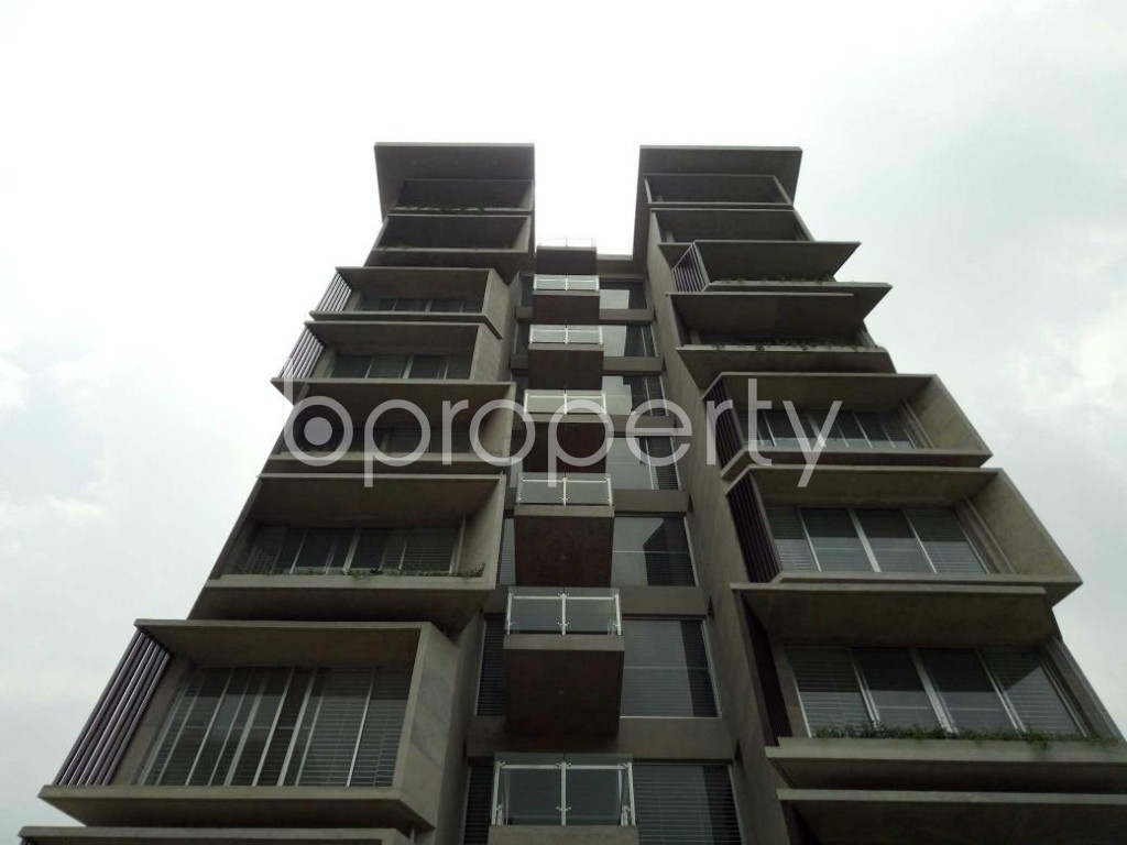 Front view - 3 Bed Apartment for Sale in Bashundhara R-A, Dhaka - 1882338