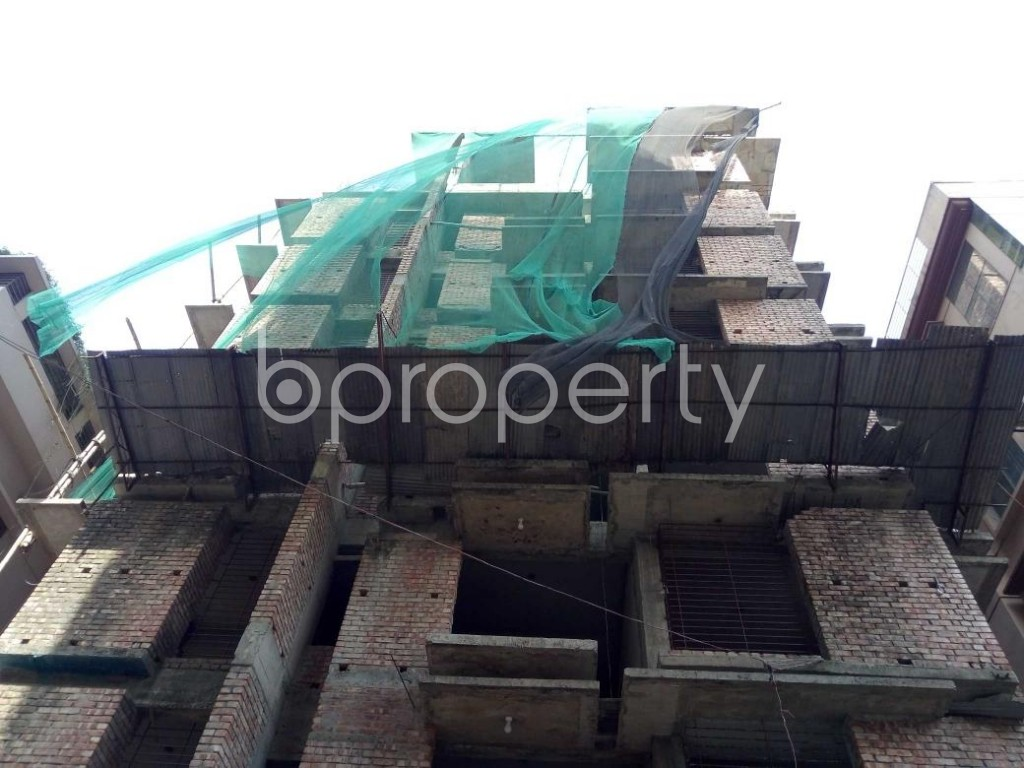 Front view - 6 Bed Duplex for Sale in Bashundhara R-A, Dhaka - 1882565