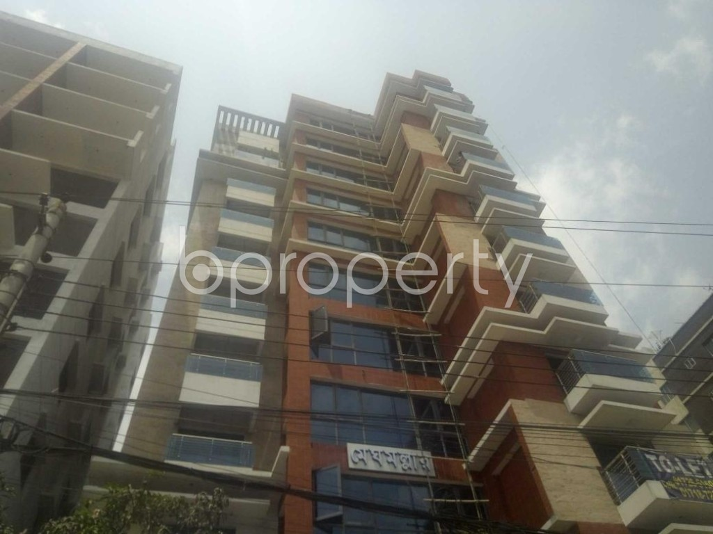 Front view - 4 Bed Apartment to Rent in Baridhara, Dhaka - 1883161
