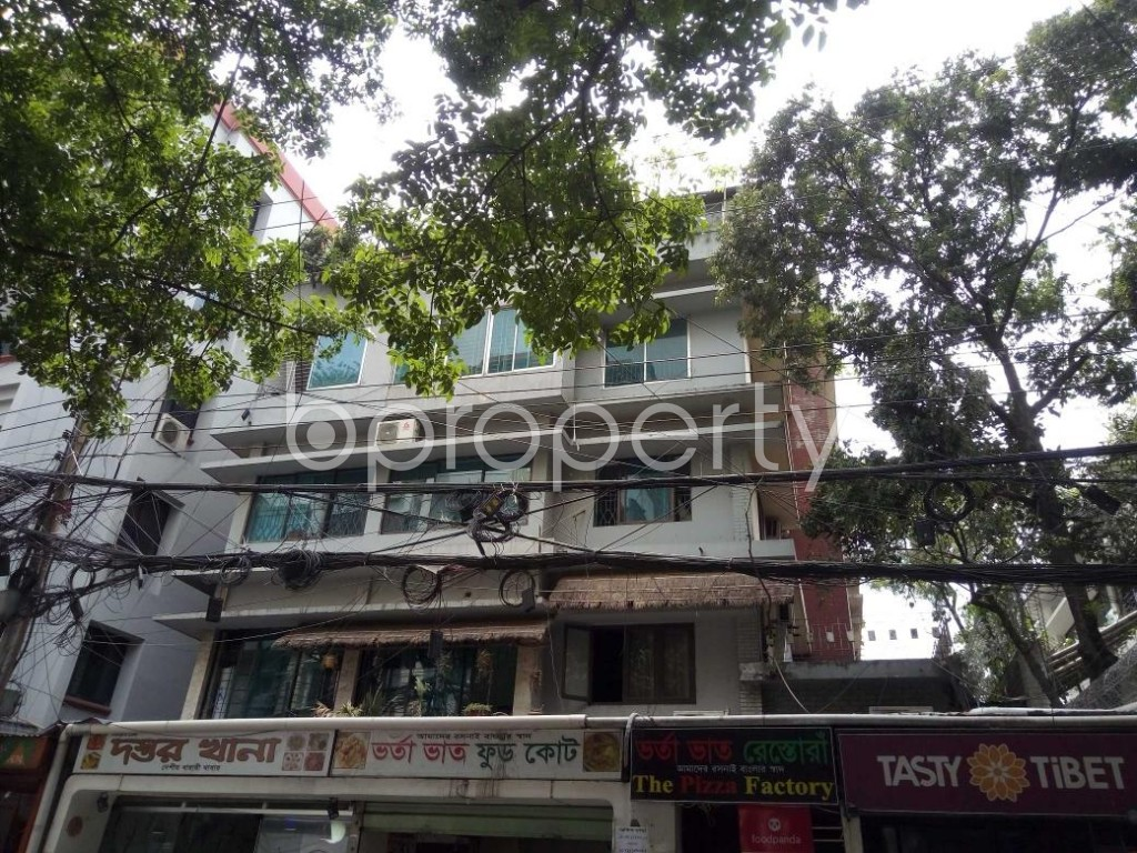 Front view - 3 Bed Apartment to Rent in Banani, Dhaka - 1884320