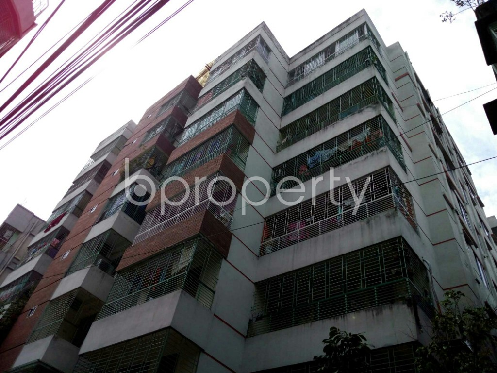 Outside view - 3 Bed Apartment to Rent in Dhanmondi, Dhaka - 1884395