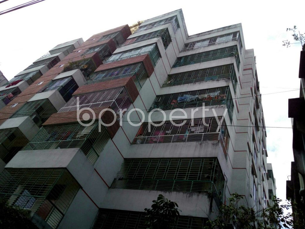 Outside view - 3 Bed Apartment to Rent in Dhanmondi, Dhaka - 1884396