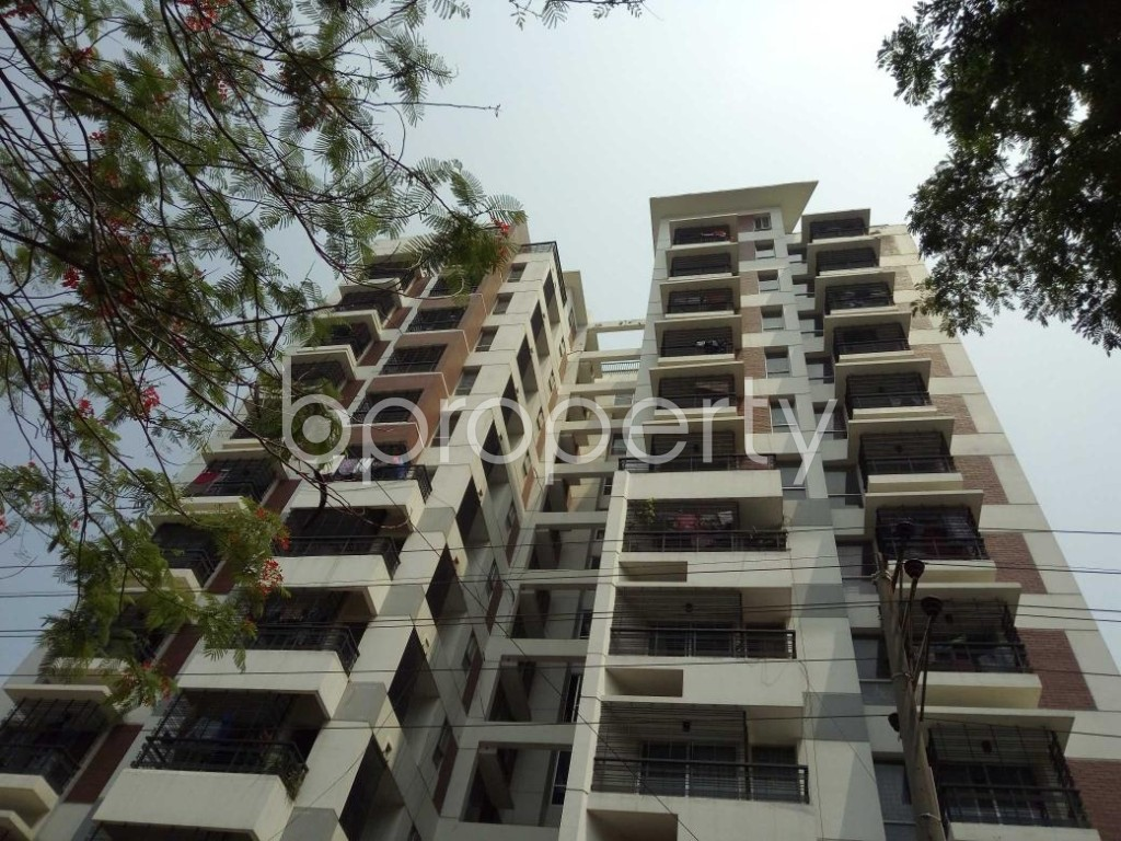 Front view - 3 Bed Apartment to Rent in Bashundhara R-A, Dhaka - 1884504