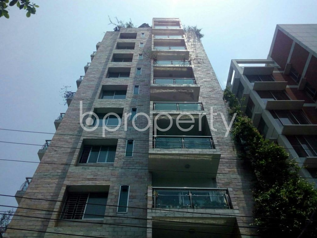 Front view - 3 Bed Apartment for Sale in Bashundhara R-A, Dhaka - 1884606