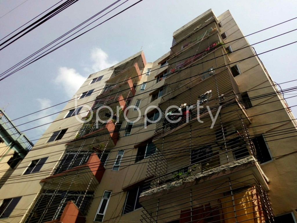 Outside view - 3 Bed Apartment to Rent in Dhanmondi, Dhaka - 1884903