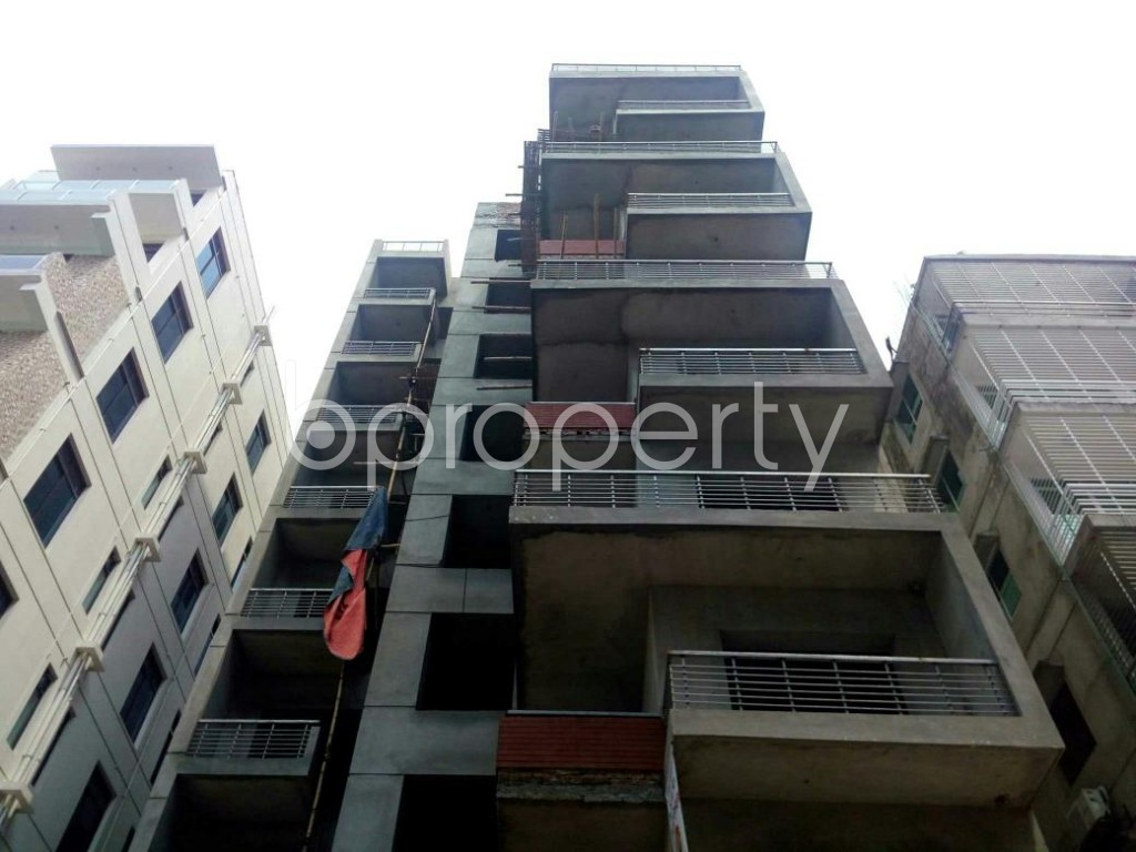 Front view - 3 Bed Apartment for Sale in Bashundhara R-A, Dhaka - 1885074