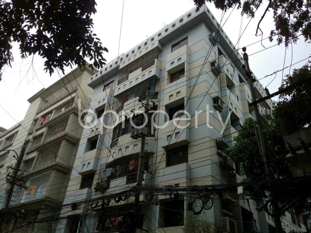 Outside view - 3 Bed Apartment to Rent in Dhanmondi, Dhaka - 1885087