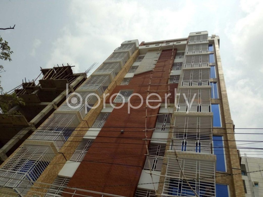Front view - 3 Bed Apartment to Rent in Bashundhara R-A, Dhaka - 1885111