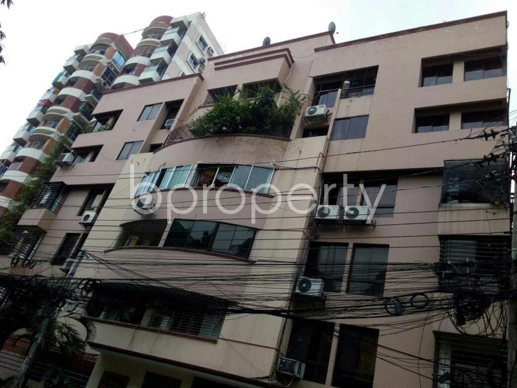 Outside view - 3 Bed Apartment to Rent in Dhanmondi, Dhaka - 1885116