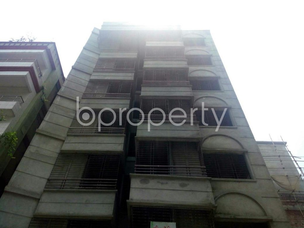 Front view - 3 Bed Apartment for Sale in Bashundhara R-A, Dhaka - 1885139