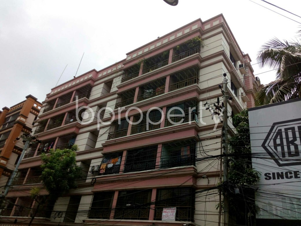 Outside view - 3 Bed Apartment to Rent in Dhanmondi, Dhaka - 1885208
