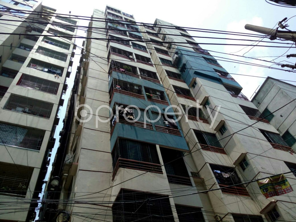 Outside view - 3 Bed Apartment to Rent in Dhanmondi, Dhaka - 1885368