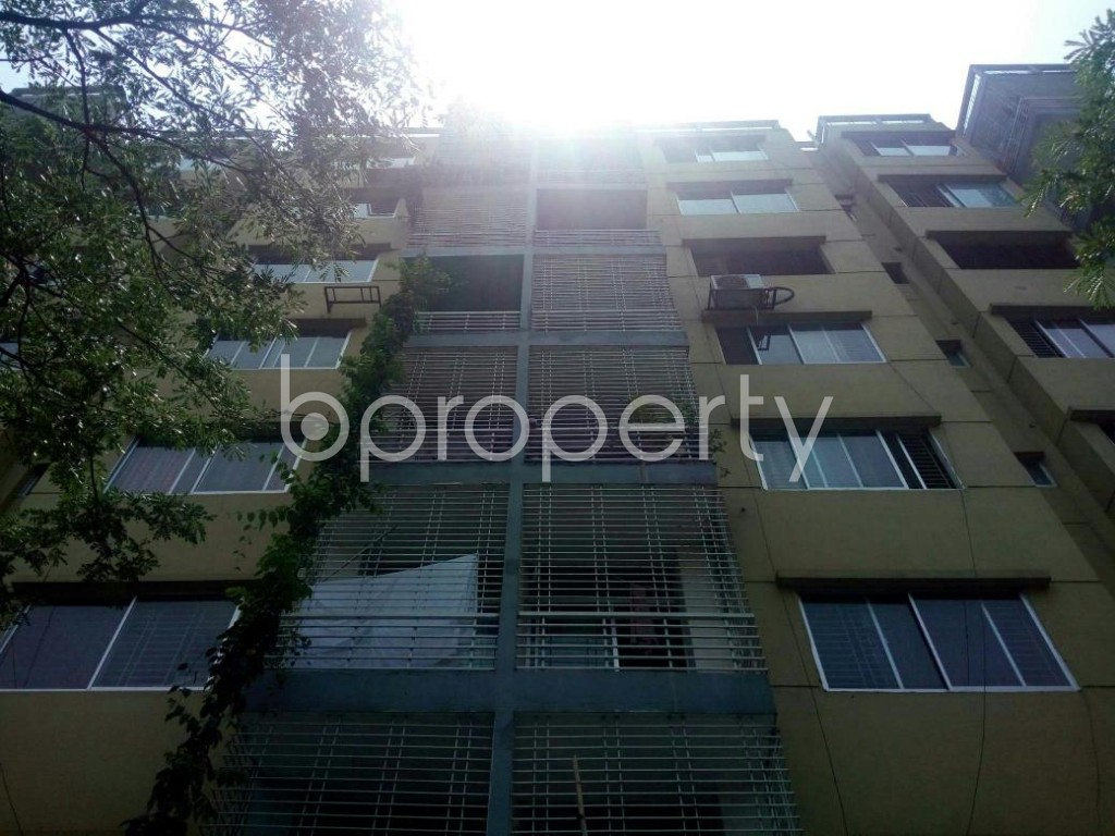 Front view - 3 Bed Apartment for Sale in Bashundhara R-A, Dhaka - 1885838