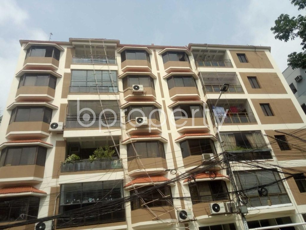 Front view - 3 Bed Apartment to Rent in Baridhara, Dhaka - 1886043