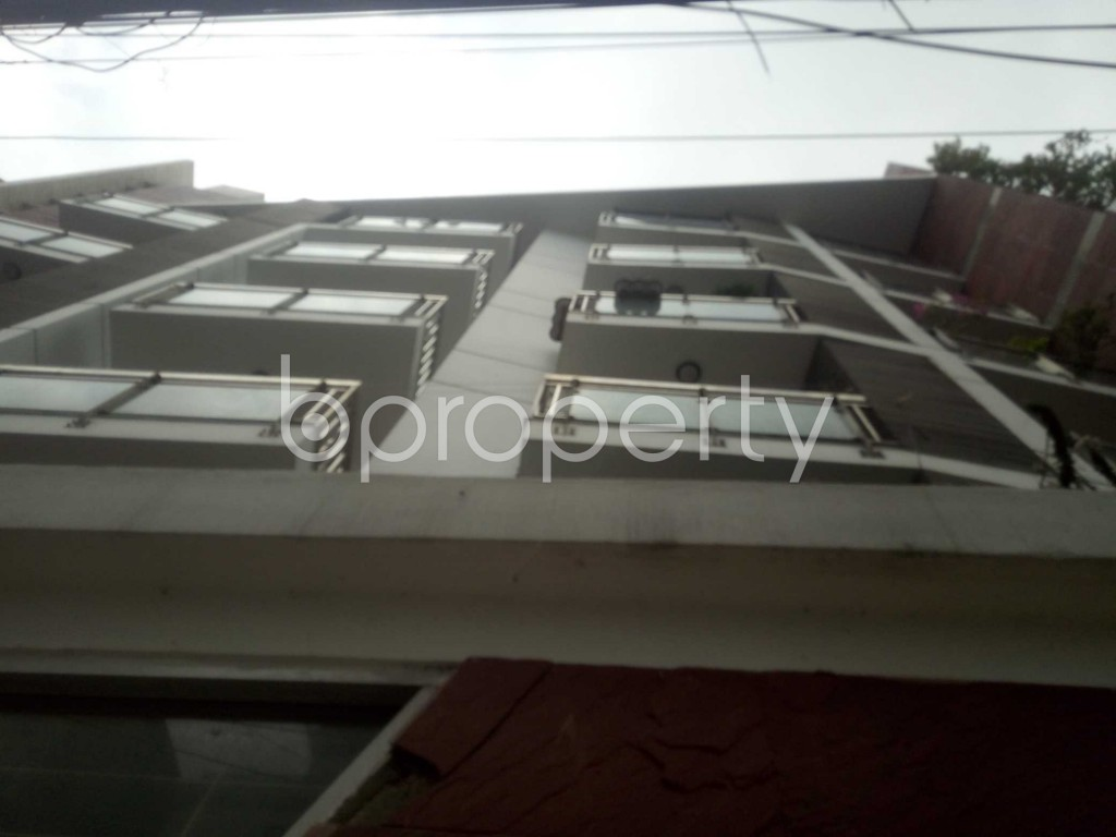 Outside view - 3 Bed Apartment to Rent in Baridhara, Dhaka - 1886146