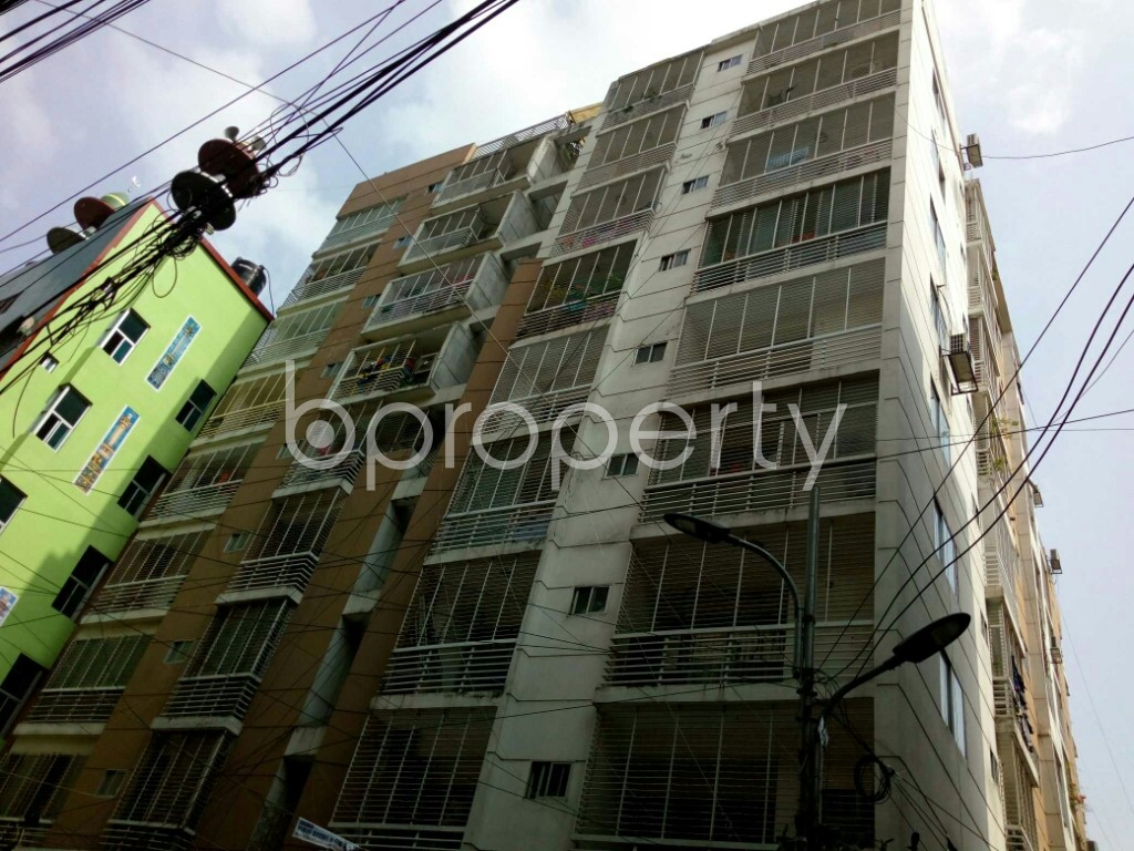 Outside view - 3 Bed Apartment to Rent in Dhanmondi, Dhaka - 1886369