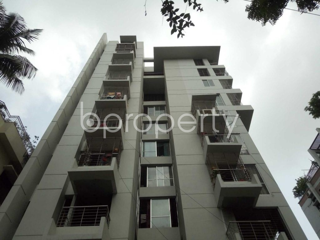 Front view - 3 Bed Apartment to Rent in Lalmatia, Dhaka - 1886525