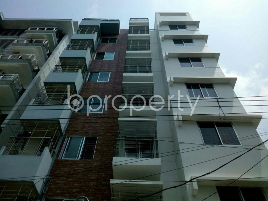 Front view - 3 Bed Apartment for Sale in Bashundhara R-A, Dhaka - 1886570