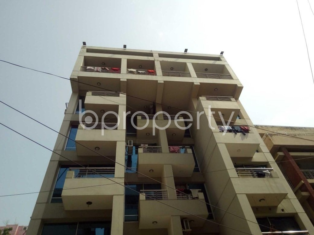 Front view - 4 Bed Apartment to Rent in Lalmatia, Dhaka - 1886852
