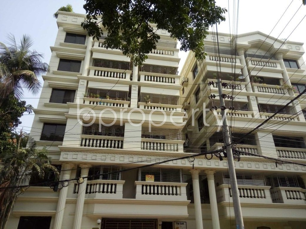 Front view - 3 Bed Apartment to Rent in Gulshan, Dhaka - 1887020