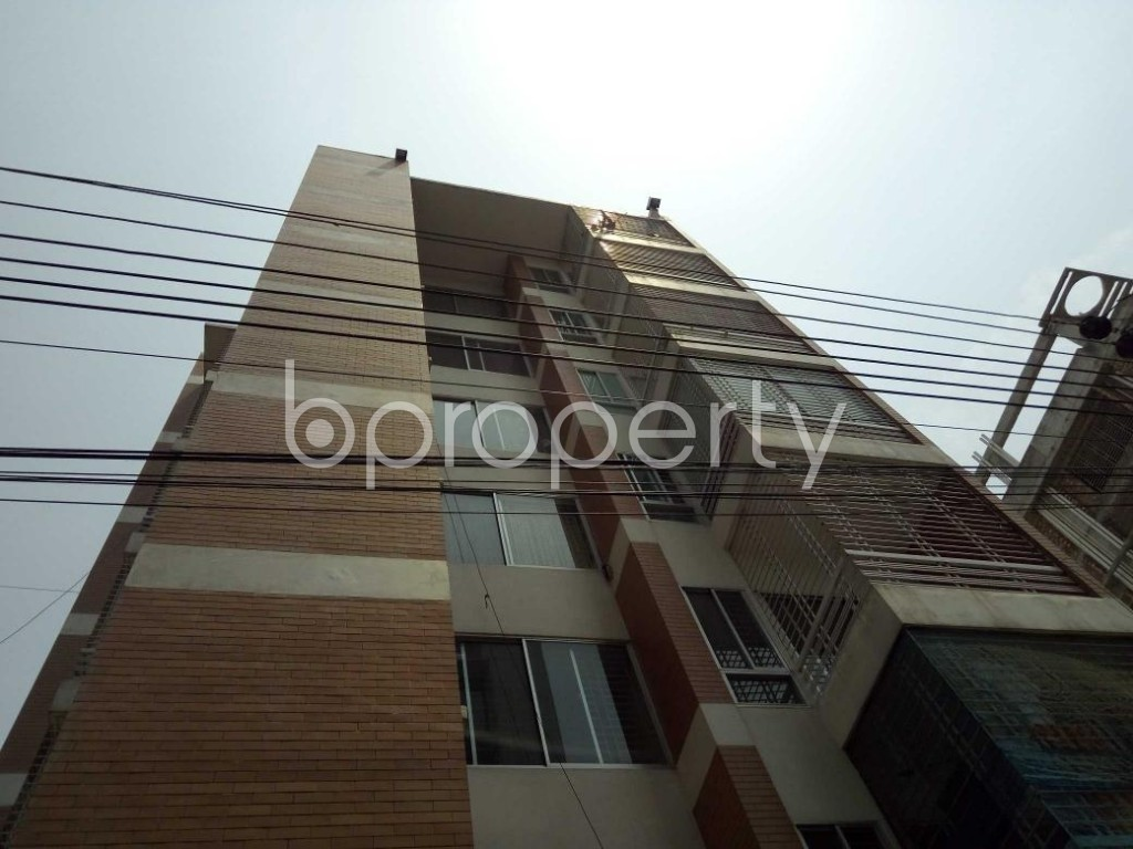 Front view - 3 Bed Apartment for Sale in Bashundhara R-A, Dhaka - 1887063