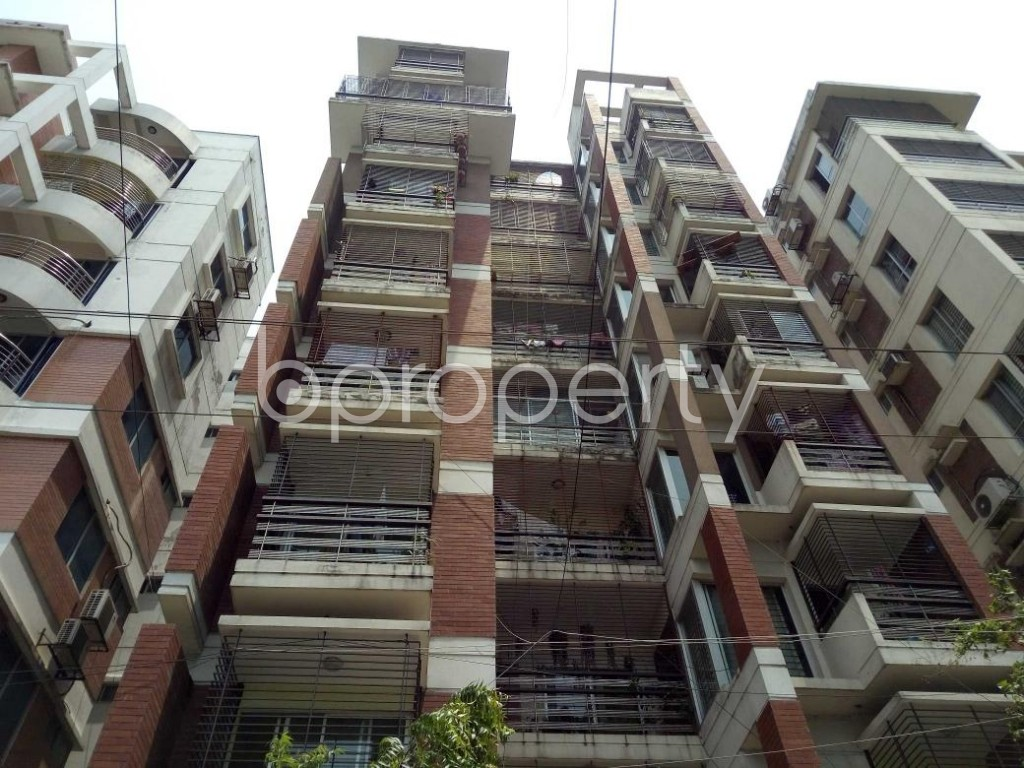 Front view - 3 Bed Apartment for Sale in Bashundhara R-A, Dhaka - 1887111