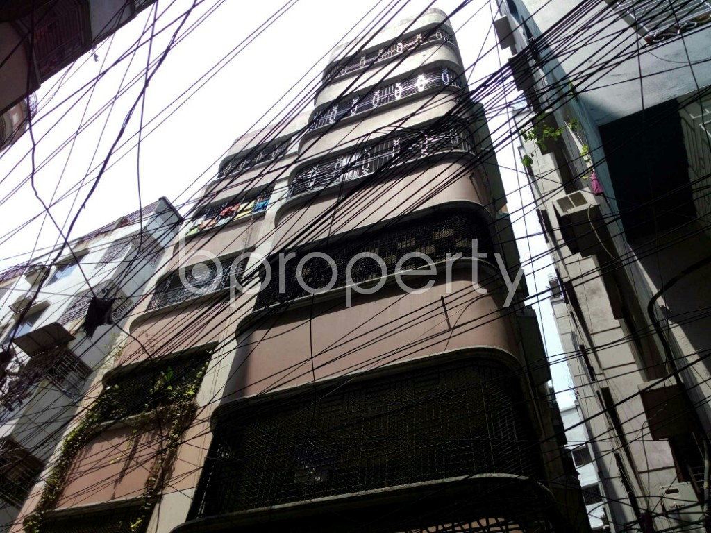 Outside view - 3 Bed Apartment to Rent in Dhanmondi, Dhaka - 1887355