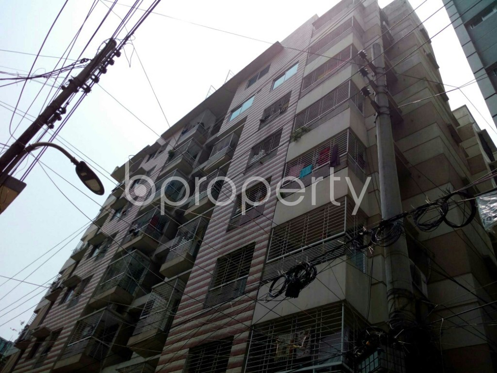 Outside view - 3 Bed Apartment to Rent in Dhanmondi, Dhaka - 1887358