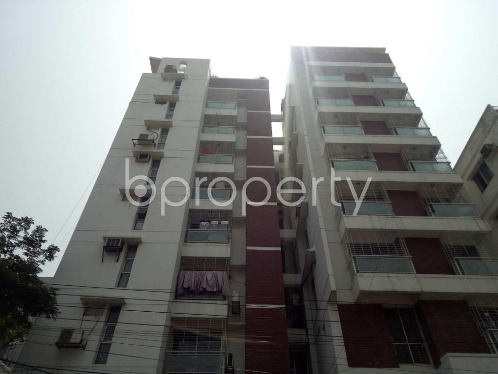 Front view - 3 Bed Apartment for Sale in Bashundhara R-A, Dhaka - 1887970
