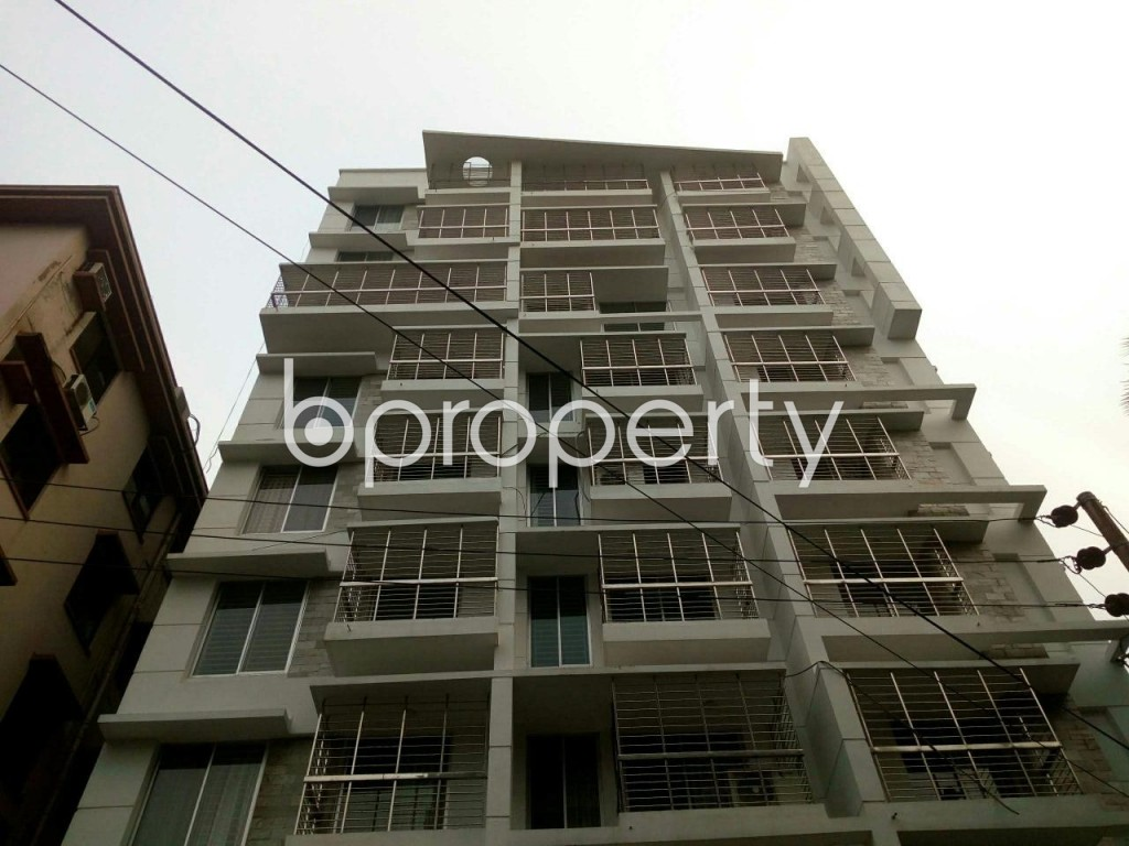 Front view - 3 Bed Apartment to Rent in Banani, Dhaka - 1887988