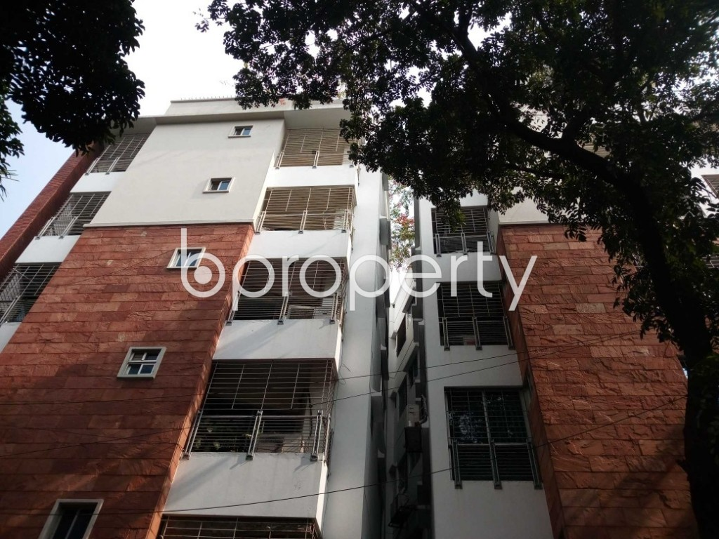 Front view - 3 Bed Apartment to Rent in Banani, Dhaka - 1888022
