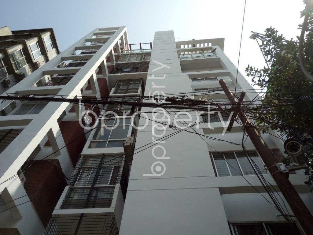 Front view - 3 Bed Apartment to Rent in Banani, Dhaka - 1888034