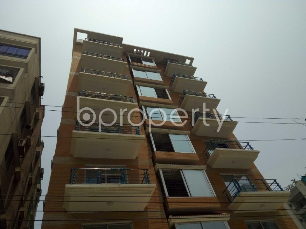 Front view - 4 Bed Apartment to Rent in Bashundhara R-A, Dhaka - 1888074