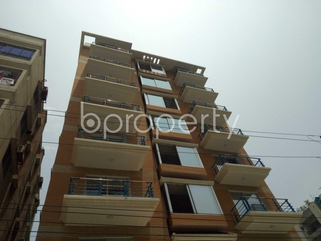 Front view - 4 Bed Apartment to Rent in Bashundhara R-A, Dhaka - 1888076