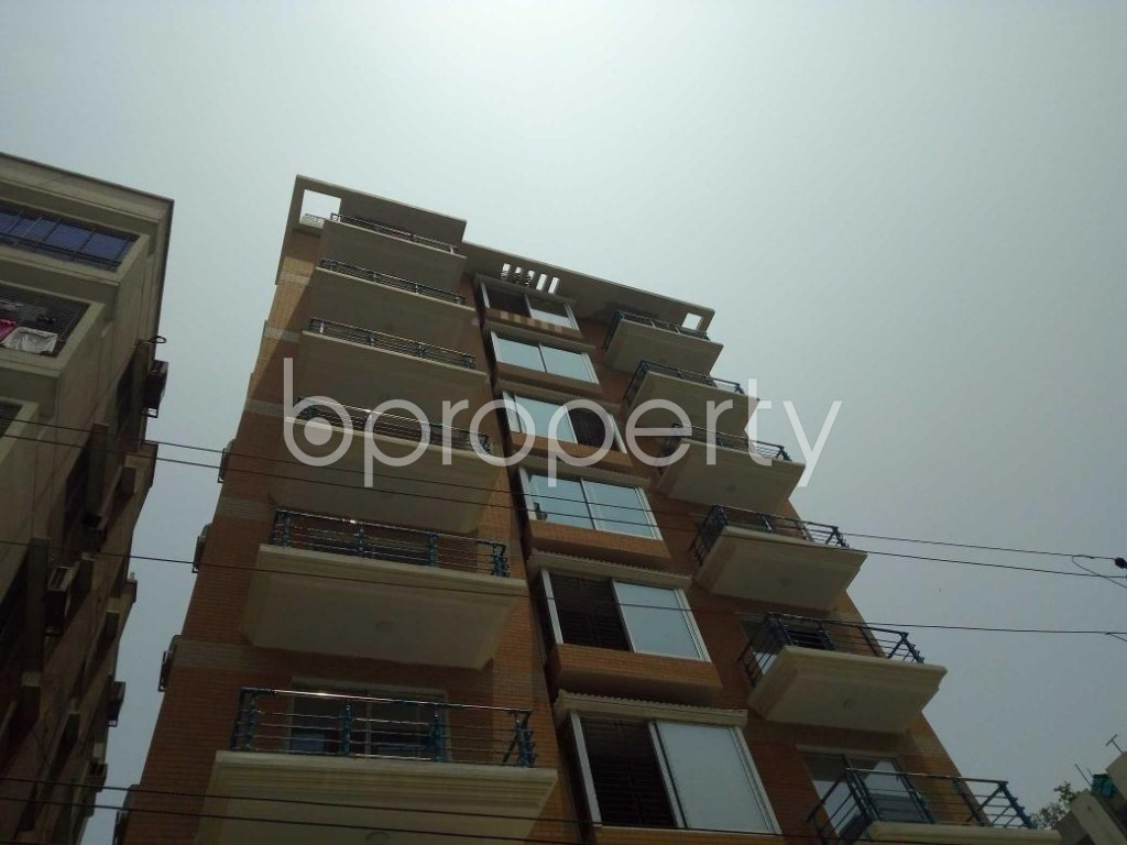 Front view - 4 Bed Apartment to Rent in Bashundhara R-A, Dhaka - 1888077