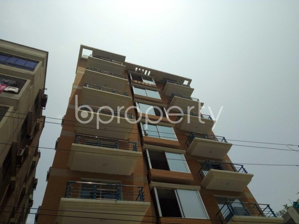 Front view - 4 Bed Apartment to Rent in Bashundhara R-A, Dhaka - 1888078