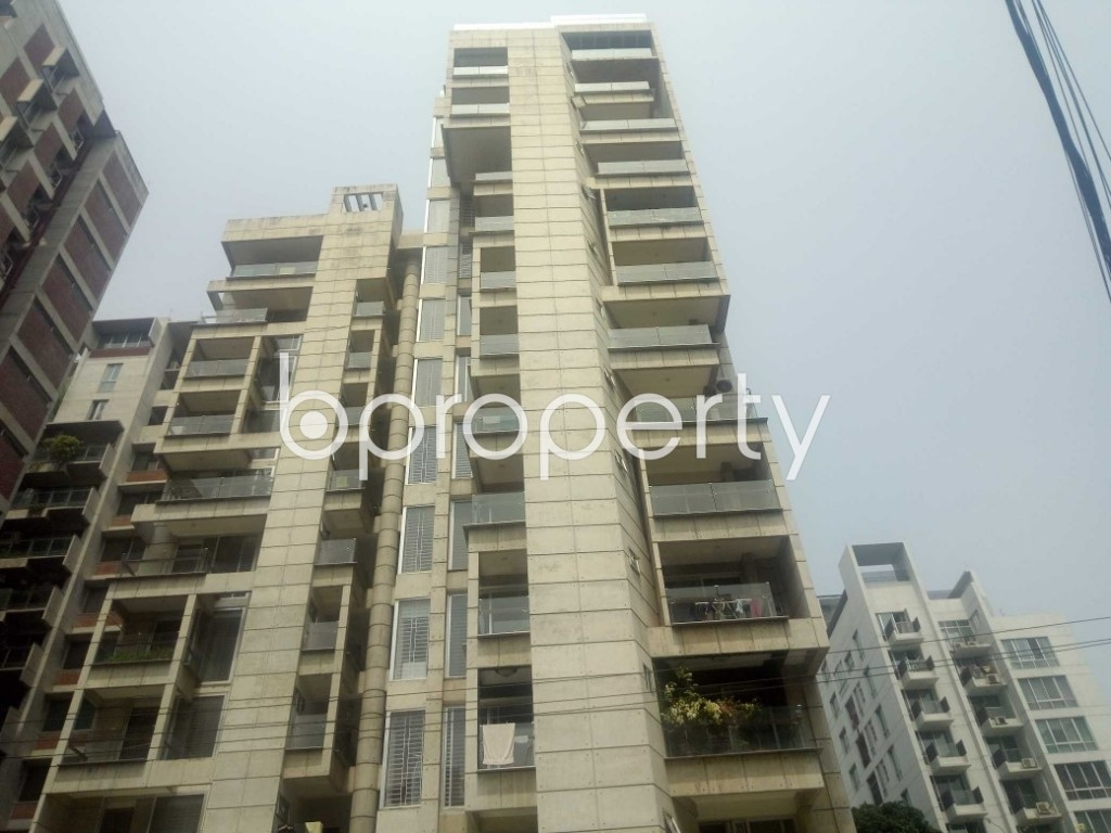 Front view - 4 Bed Apartment to Rent in Gulshan, Dhaka - 1888082