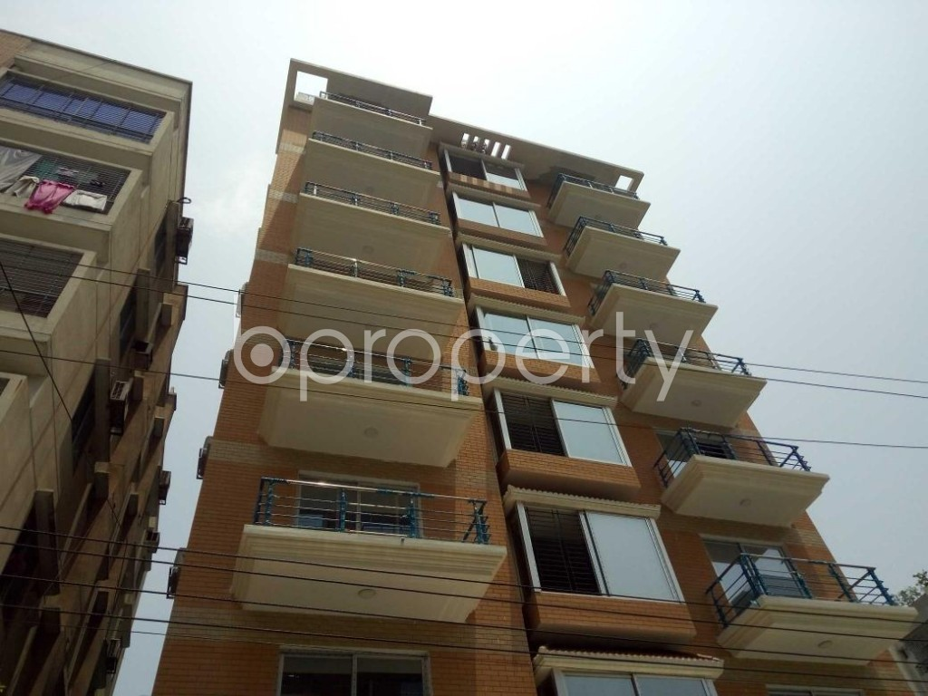 Front view - 4 Bed Apartment to Rent in Bashundhara R-A, Dhaka - 1888079
