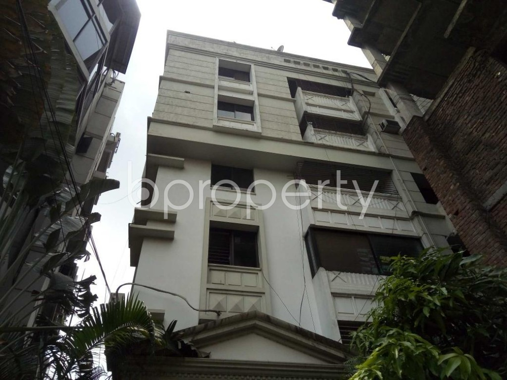 Front view - 4 Bed Apartment to Rent in Gulshan, Dhaka - 1888262