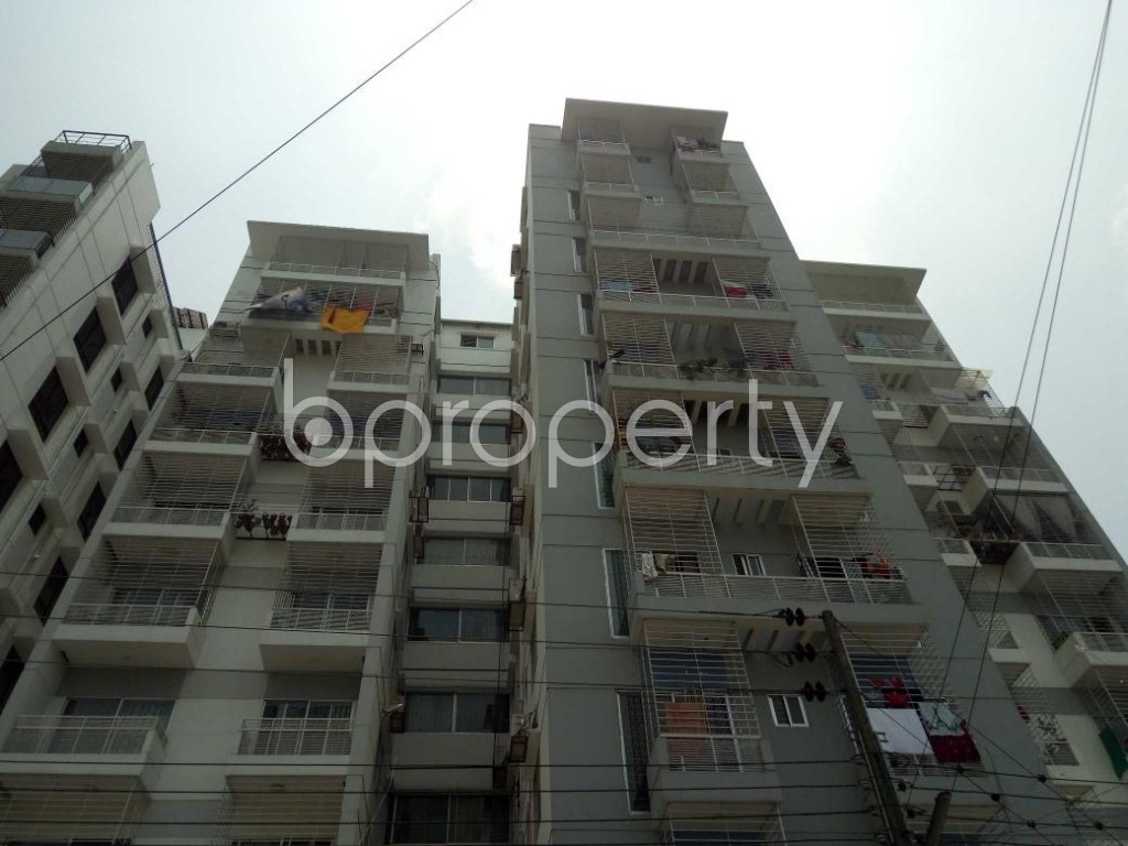 Front view - 3 Bed Apartment for Sale in Bashundhara R-A, Dhaka - 1888573