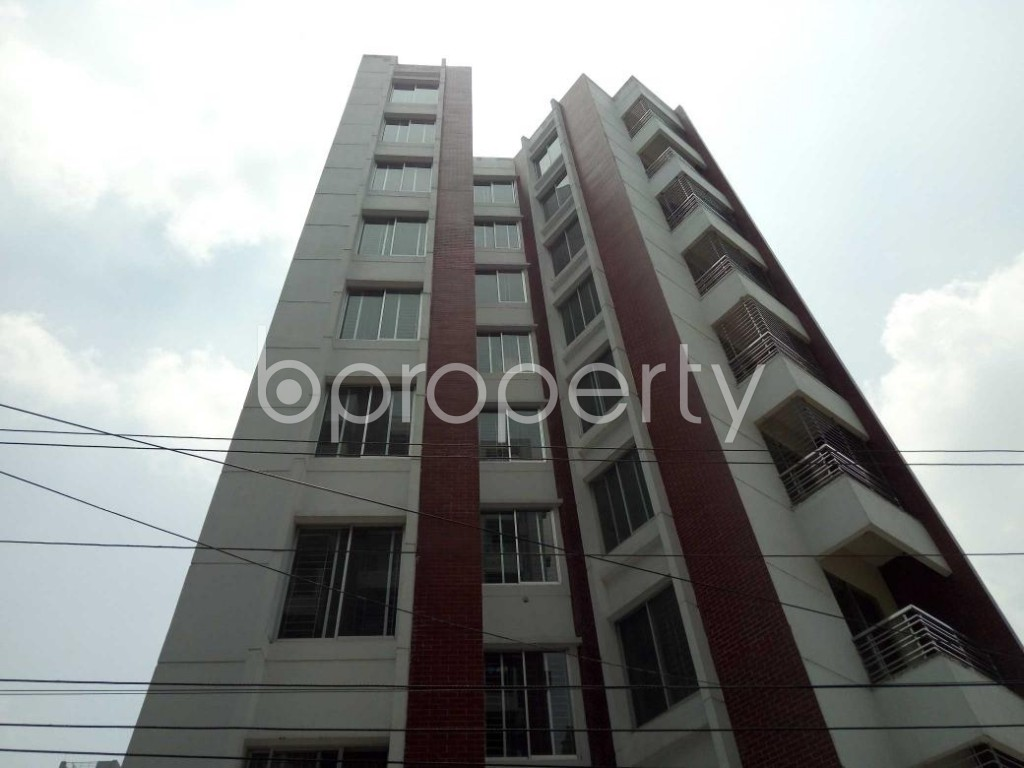 Front view - 4 Bed Apartment to Rent in Bashundhara R-A, Dhaka - 1888592