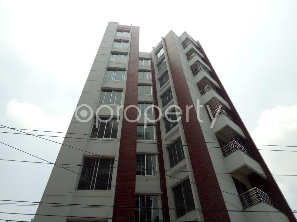 Front view - 4 Bed Apartment to Rent in Bashundhara R-A, Dhaka - 1888594