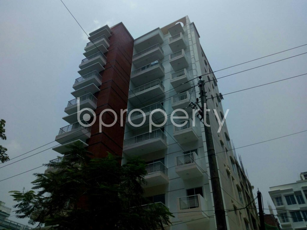 Outside view - 3 Bed Apartment to Rent in Bashundhara R-A, Dhaka - 1888746