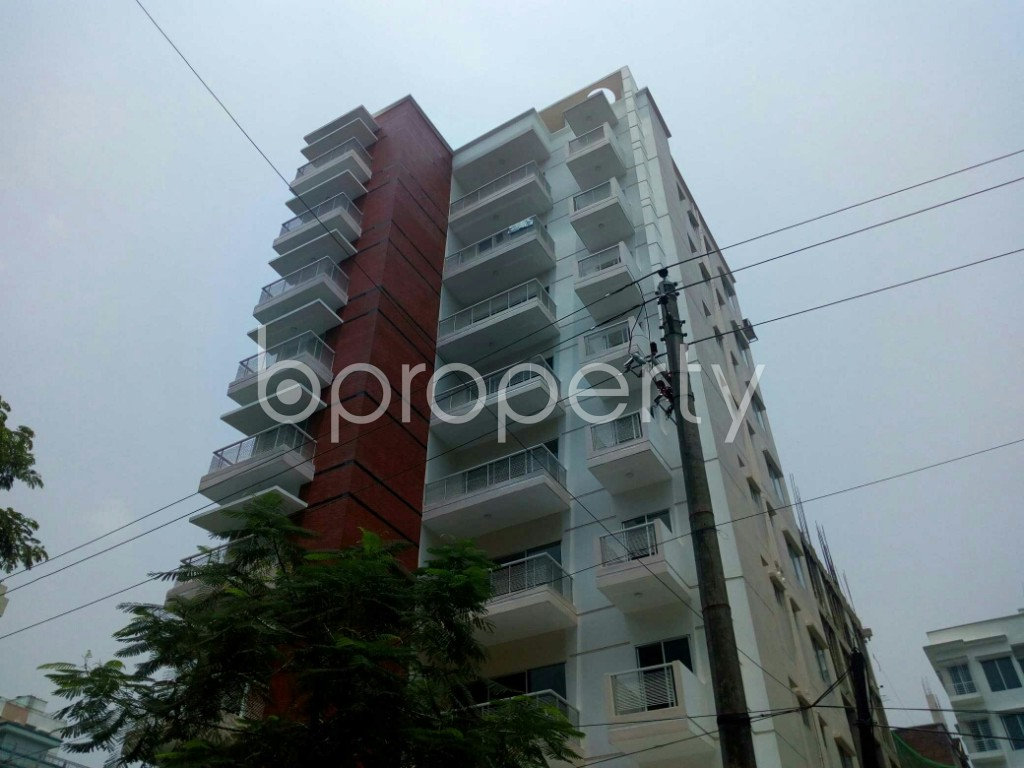 Outside view - 3 Bed Apartment to Rent in Bashundhara R-A, Dhaka - 1888747
