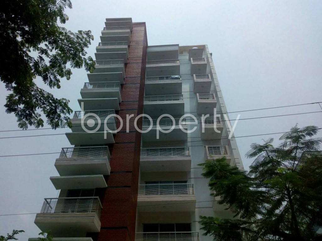Front view - 3 Bed Apartment to Rent in Bashundhara R-A, Dhaka - 1888748
