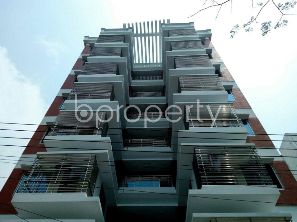 Front view - 4 Bed Apartment to Rent in Bashundhara R-A, Dhaka - 1889080