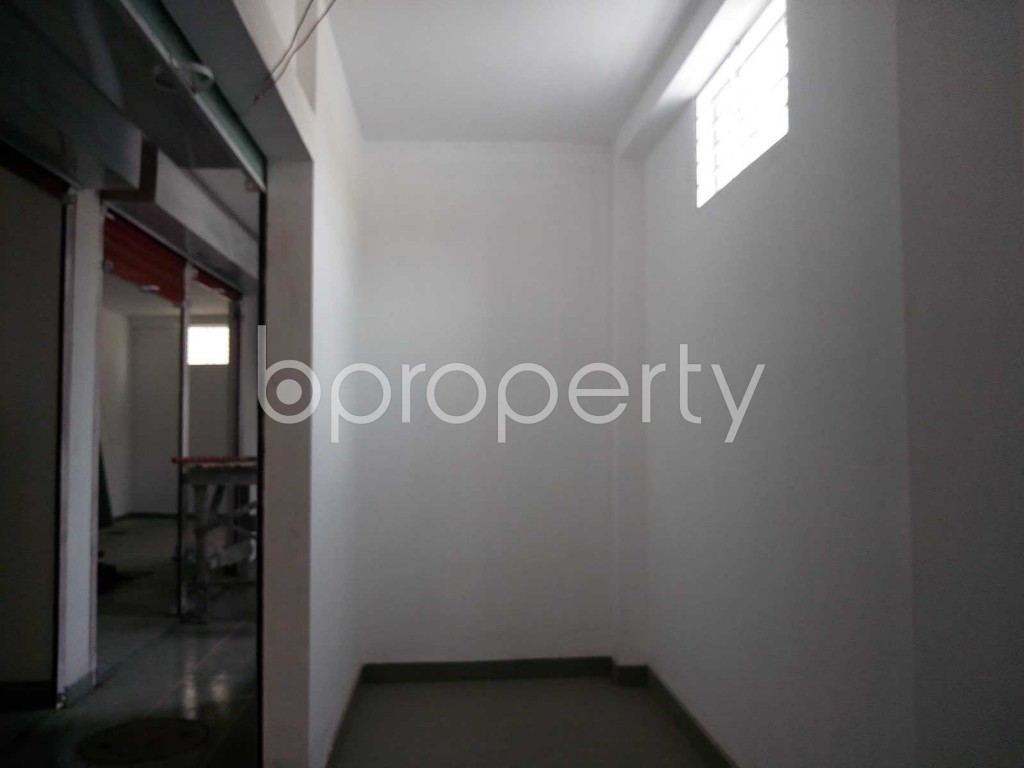 Commercial inside - Shop to Rent in Kuril , Dhaka - 1889093