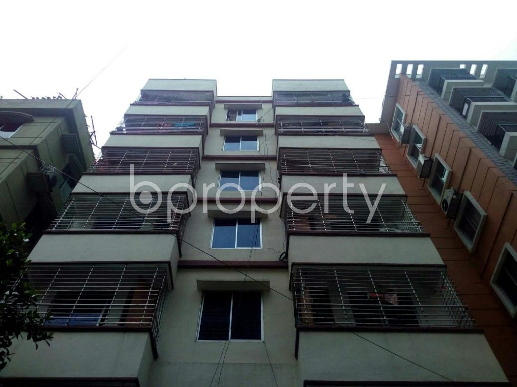 Front view - 2 Bed Apartment to Rent in Bashundhara R-A, Dhaka - 1889111
